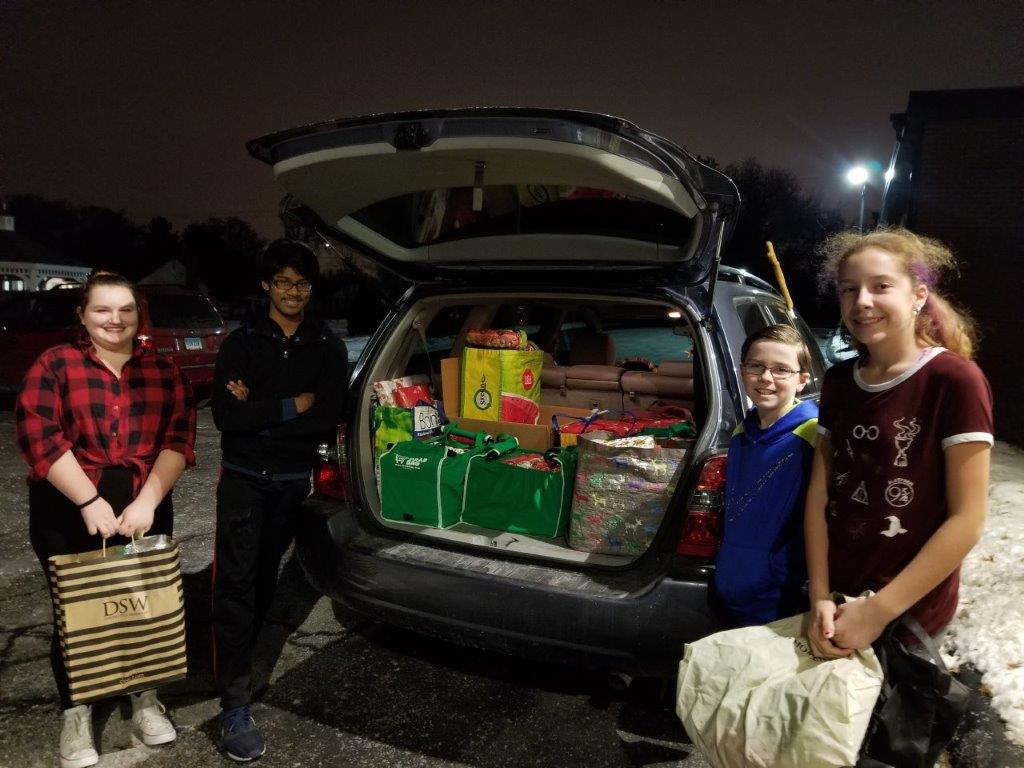 WHUMC Youth Wrap Up Christmas for the FSC